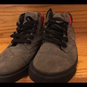 Old Navy Shoes - Old Navy Big Boys Lace-Up Sneakers, size 4